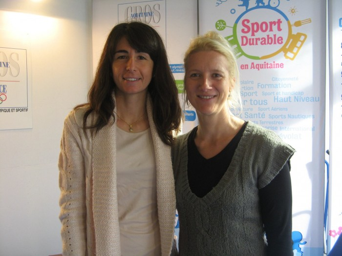 Elisa Ragazzi a sinistra durante la sua esperienza a Bordeaux